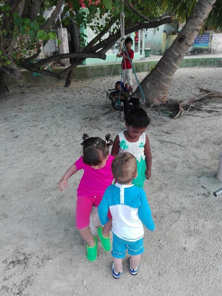 Giochi in spiaggia con i nuovi amici