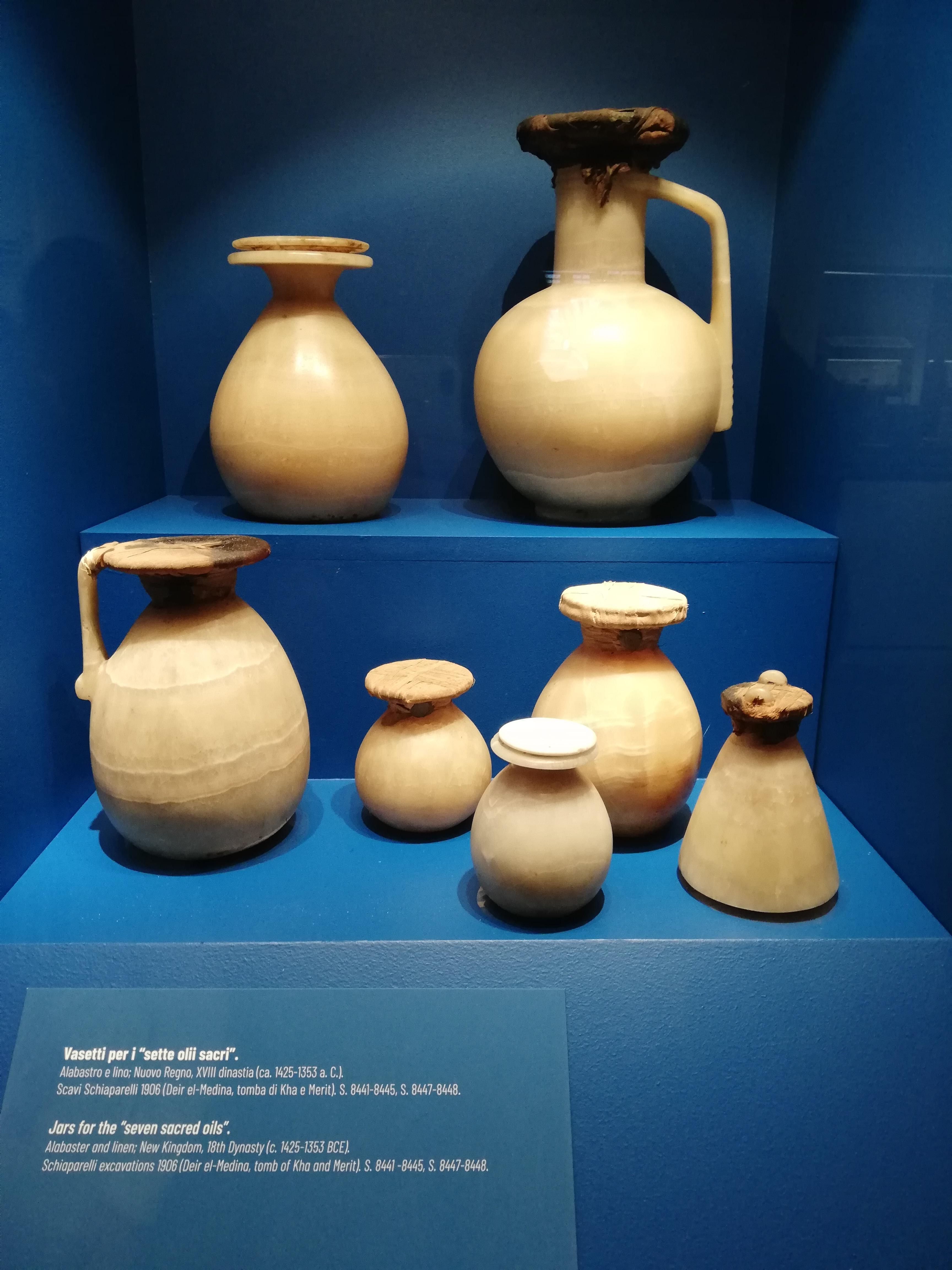 Anfore ancora sigillate al Museo Egizio di Torino