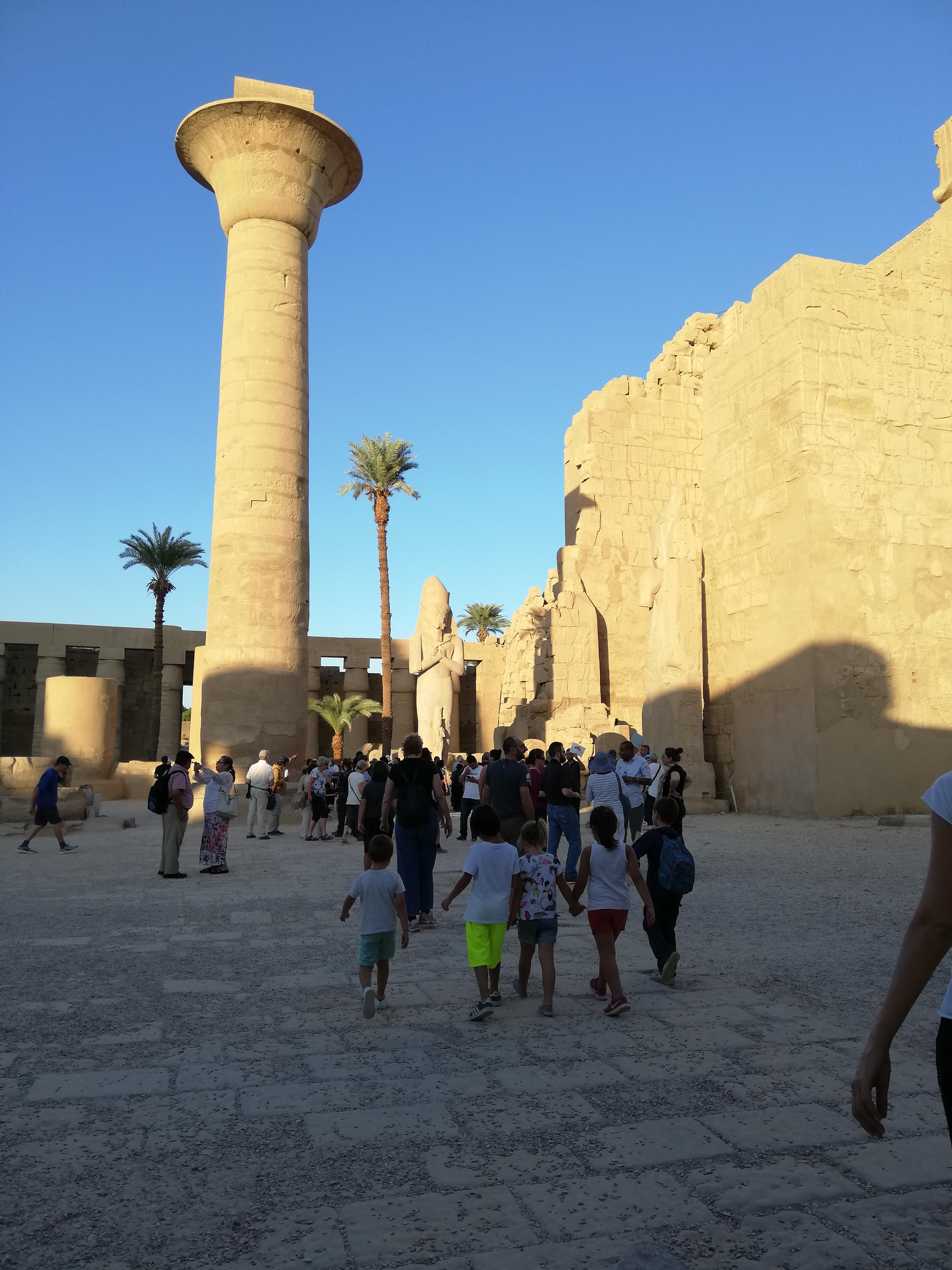 Piedini in Viaggio al Tempio di Karnak